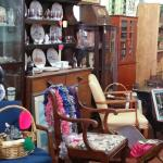 Bobby's Antiques & Colle