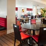 Photo de Holiday Inn Express Glasgow Airport
