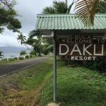 Entrance to Daku from the road