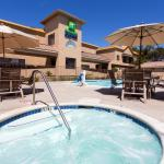 Photo de Holiday Inn Express Lompoc
