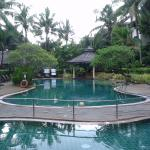 2nd kiddie pool and second pool with swim up bar