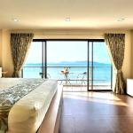 Suite Sea view room with balcony