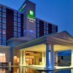 Holiday Inn Express Hotel & Suites Chatham South