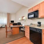 Photo of Candlewood Suites Winchester