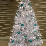 The lobby Christmas tree, the General manager decorated herself. It's so beautiful!!!