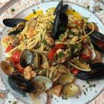 mussels and linguini