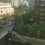 Located at the Chid Lom Pier, Bangkok Venice is a decent hotel with reasonable rates. The staffs