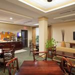 Photo of Holiday Inn Express Hotel & Suites Athens