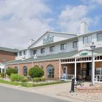 Country Inn & Suites Fargo /  I-29 / I-94 / West Acres