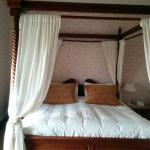 The incredible four poster bed