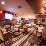 bar and dinning in surrey hotel