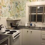 isn't this the cutest little kitchen you have ever seen?