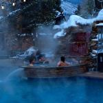 Great outdoor jacuzzi and pool for apres ski and happy hour