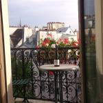 """Balcony room with a """"view"""" of Notre dame"""