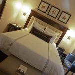 Deluxe room with queen bed