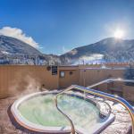 The Rooftop Hot Tub - Available to All Guests