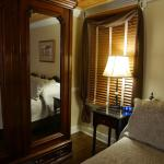 So much attention to detail! Just a beautiful room with gorgeous antiques, lovely jacuzzi in the