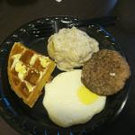 breakfast: sussage and grits!