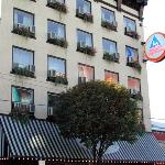 Hostelling International Vancouver Central