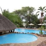Cresta Mowana Safari Resort And Spa