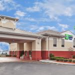 Holiday Inn Express Calhoun