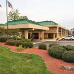 Hampton Inn Greensboro - Four Seasons