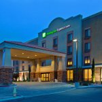 Holiday Inn Express Hotel & Suites Twentynine Palms