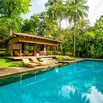 Taru Villas: The River House