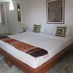 Red Hibiscus Guesthouse
