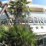 Athineon Hotel