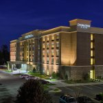 DoubleTree by Hilton Hotel Raleigh - Cary