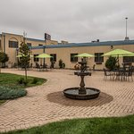 Vista Inn & Suites Fargo