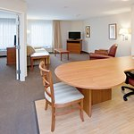 Candlewood Suites Champaign-Urbana Univ Area