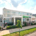 Holiday Inn Express St. Louis Central West End