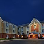 Candlewood Suites at Village West