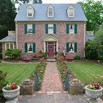 Cedars of Williamsburg Bed and Breakfast