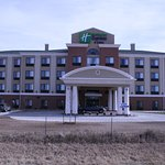 Holiday Inn Express Hotel & Suites Pratt