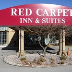 The Cottage Restaurant and Red Carpet Inn and Suites Ebensburg