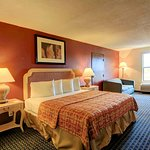 Skyway Inn and Suites