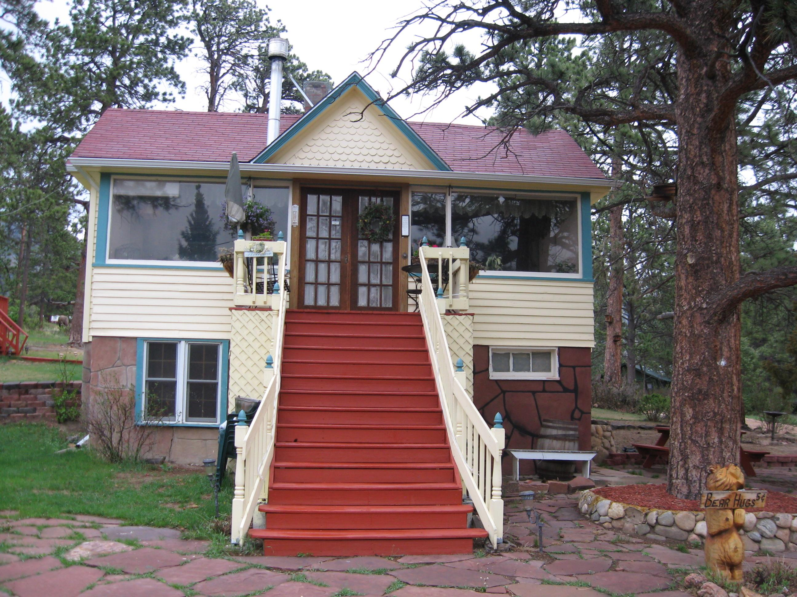 Gilded Pine Meadows Bed and Breakfast