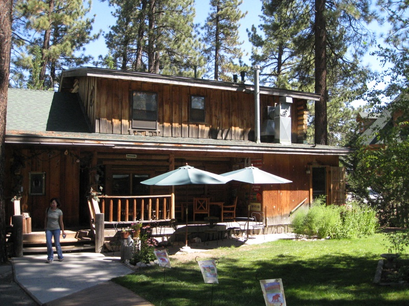 Eagle's Nest Bed and Breakfast Lodge
