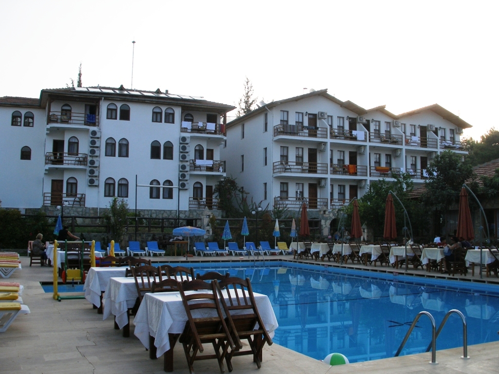 Silver Pine Hotel