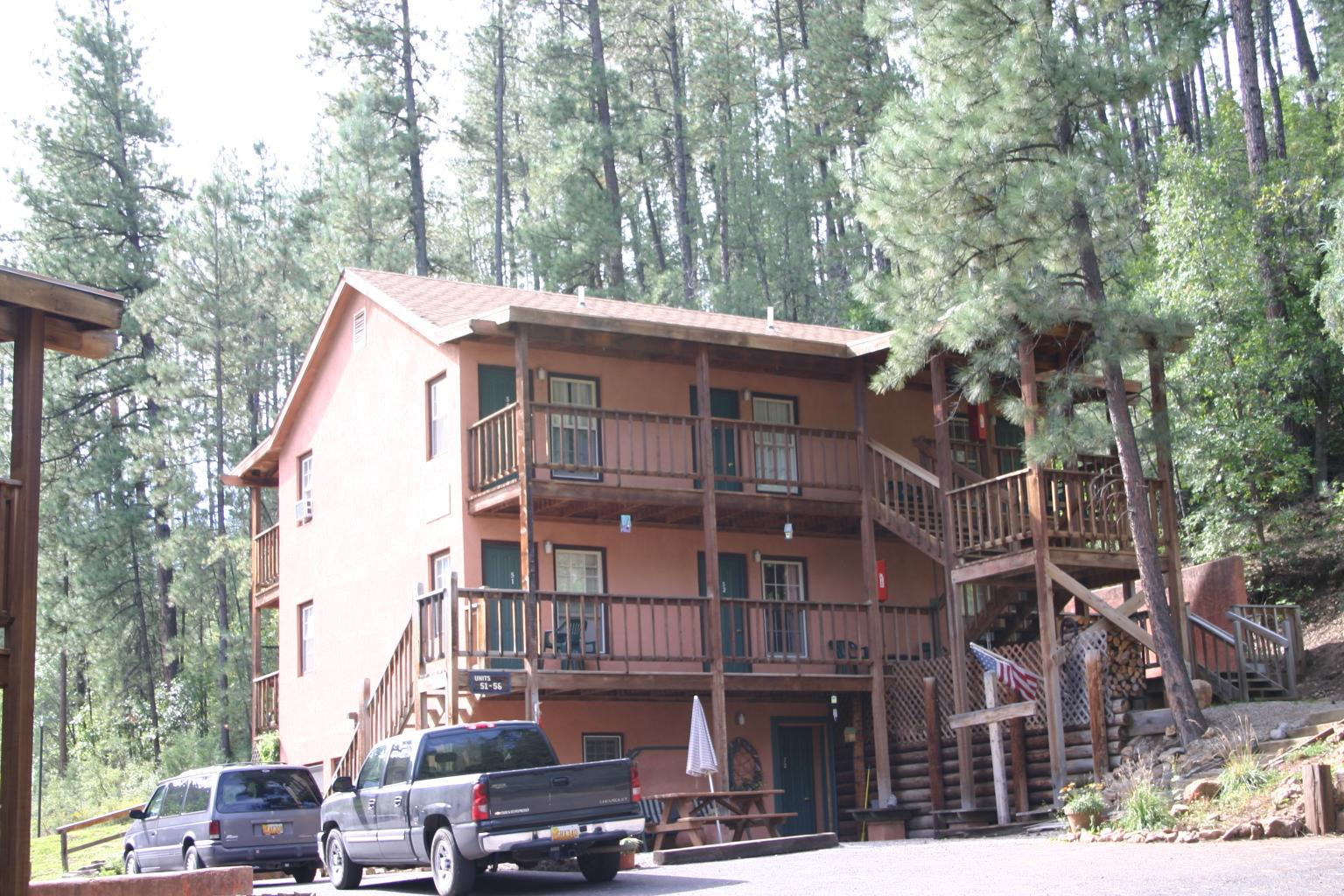 Canyon Creek Lodge