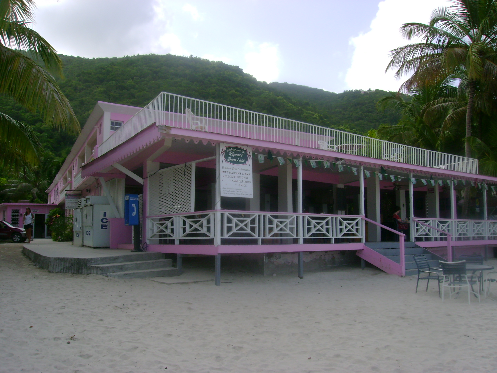 Rhymers Beach Hotel