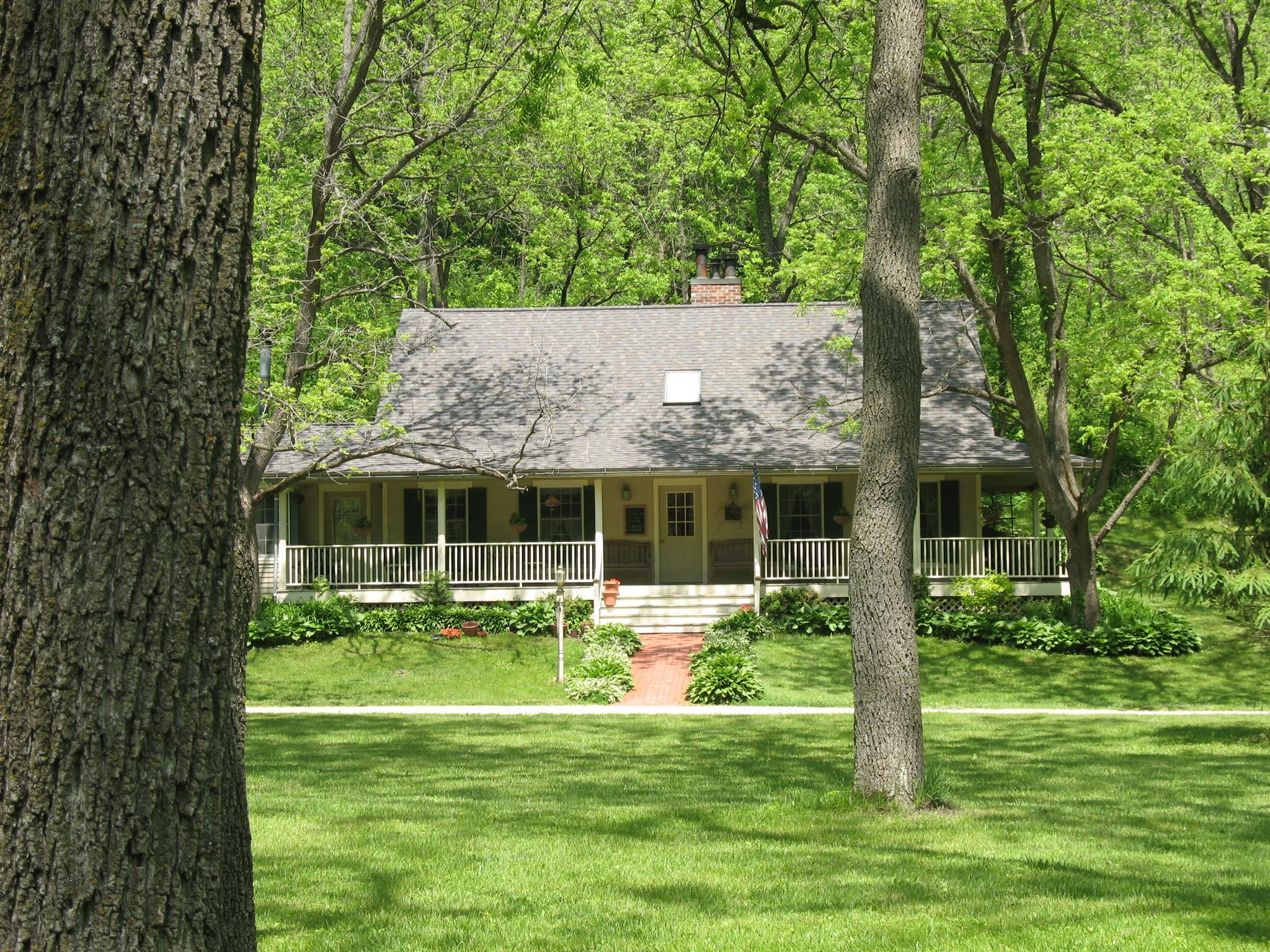 Pine Hollow Inn Bed and Breakfast
