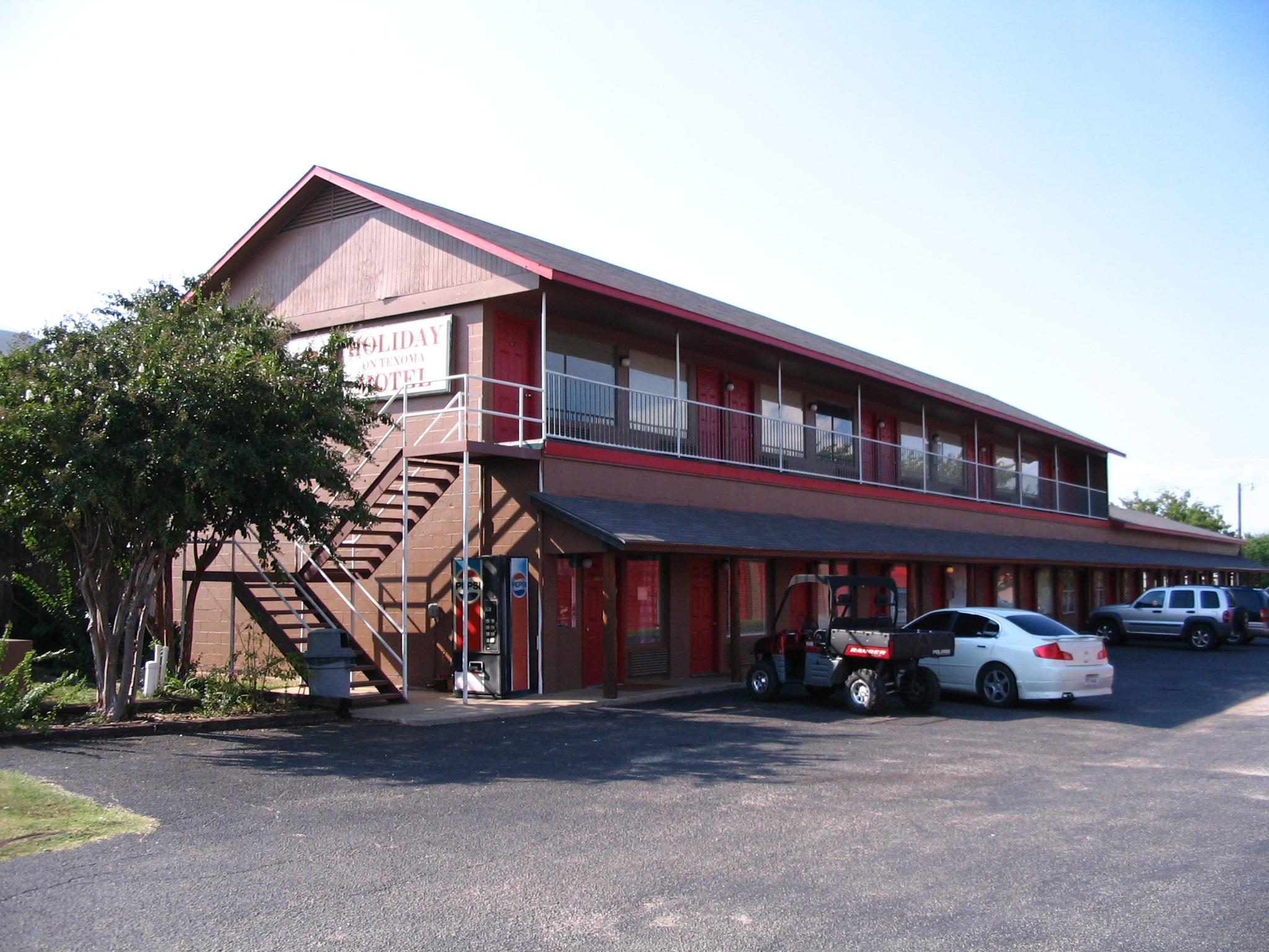 Holiday On Texoma Motel