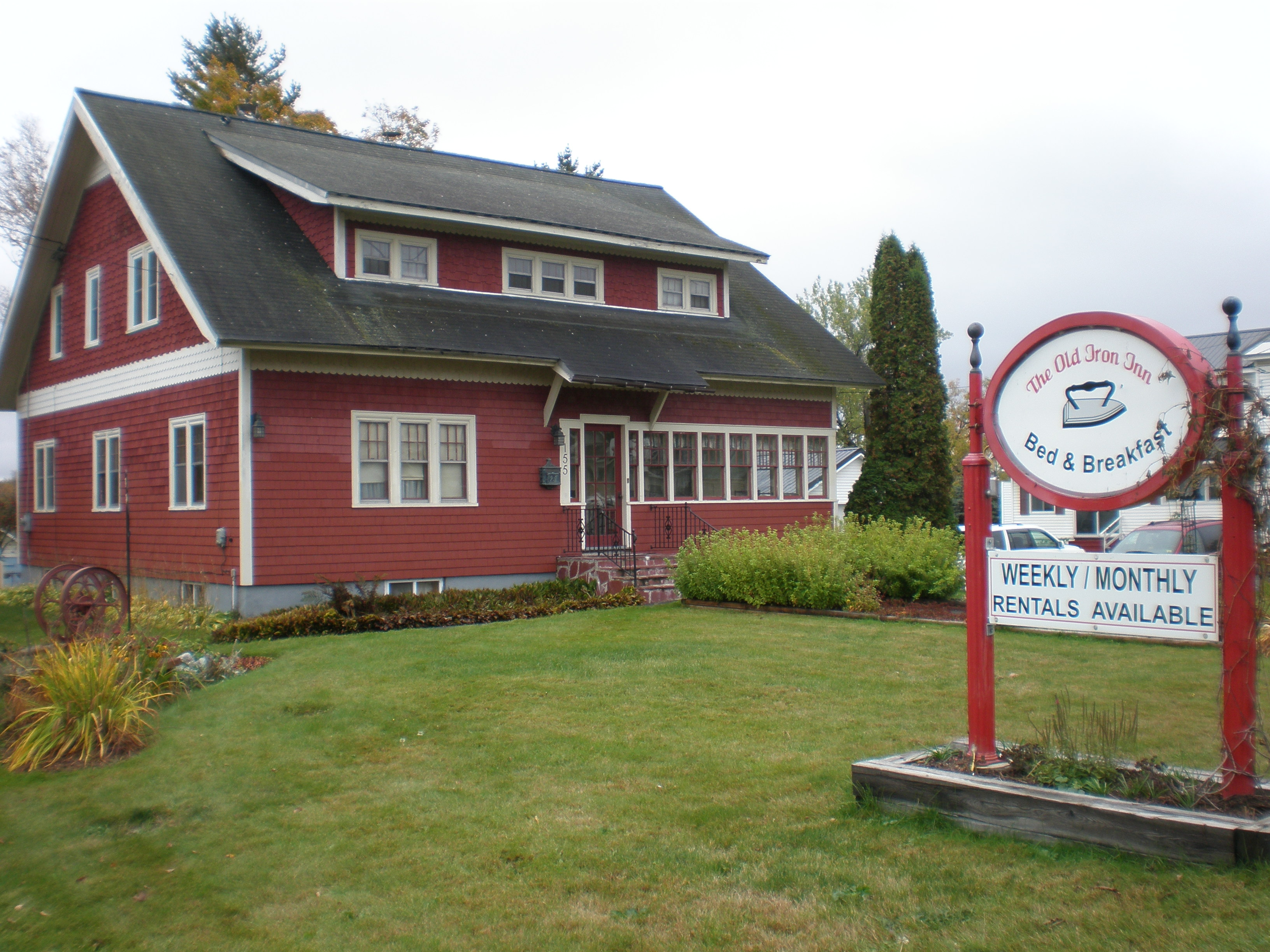Old Iron Inn Bed and Breakfast