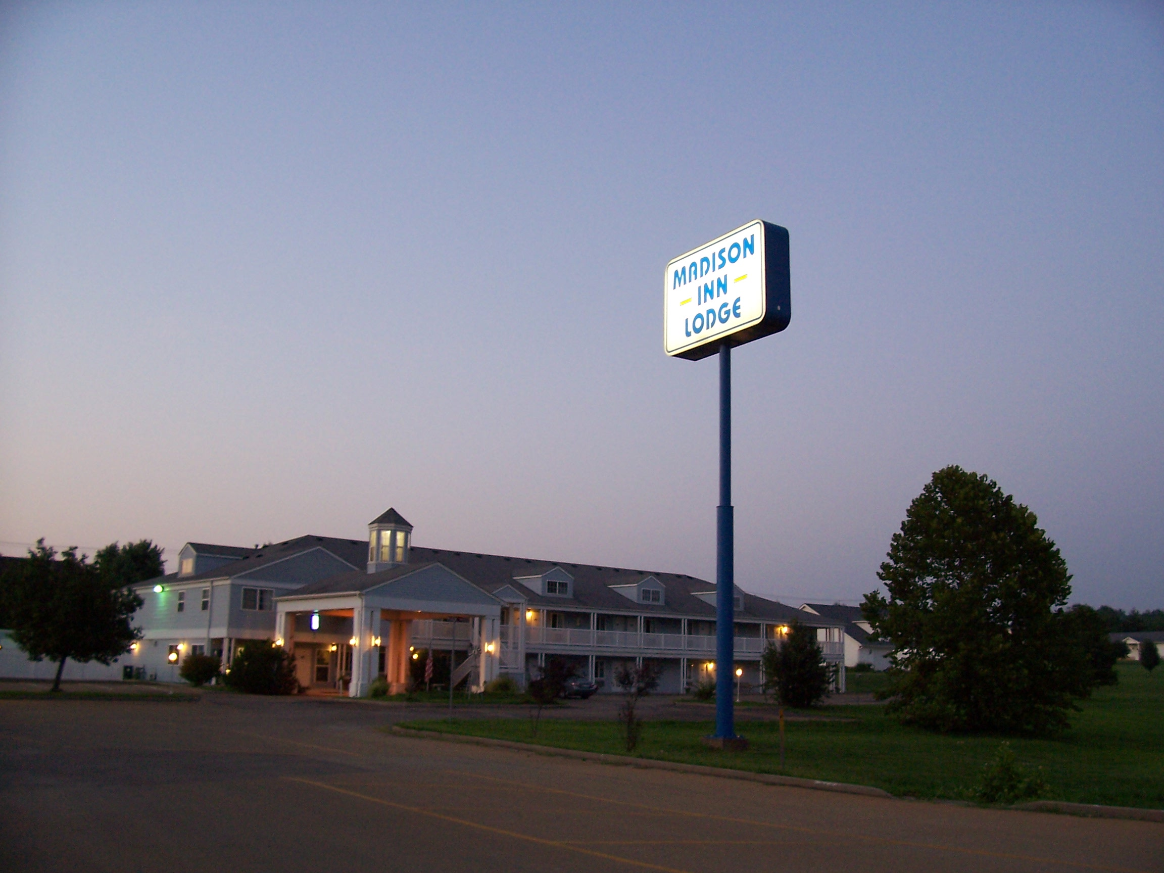 Madison Inn Lodge