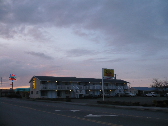 ‪Sundowner Motel‬