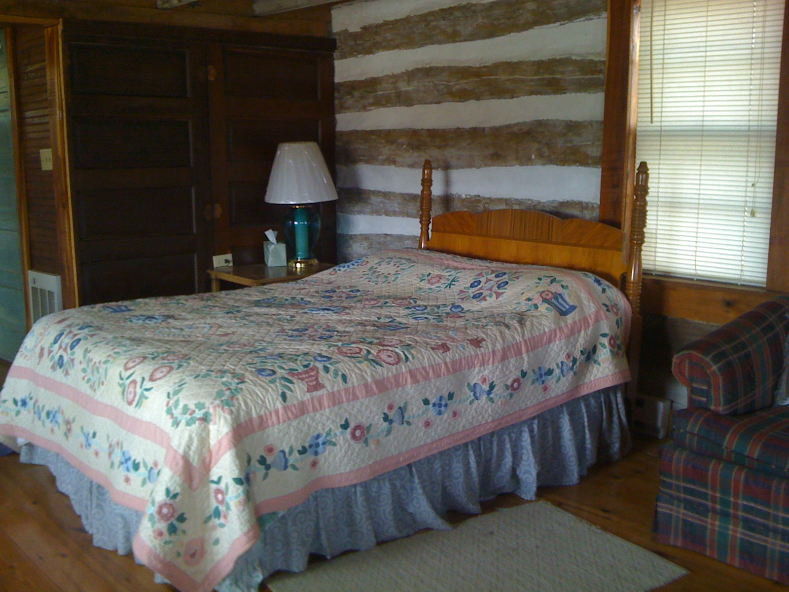 Olde Squat Inn Bed and Breakfast
